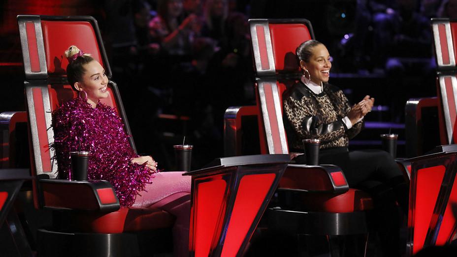 The Voice - Miley - Alicia - episode1117A - Still - H - 2016