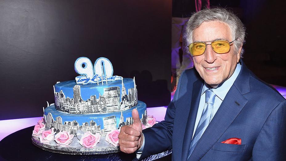 Tony Bennett 90 cake - Getty - H 2016