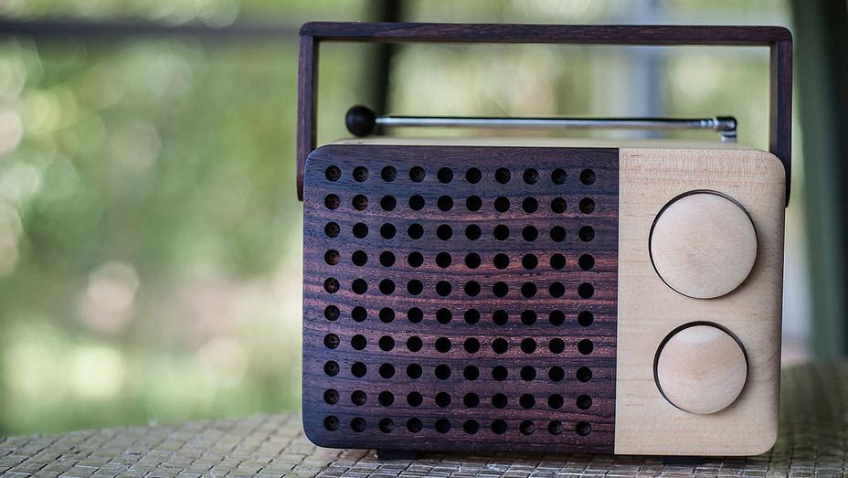 wooden radio - H - 2016