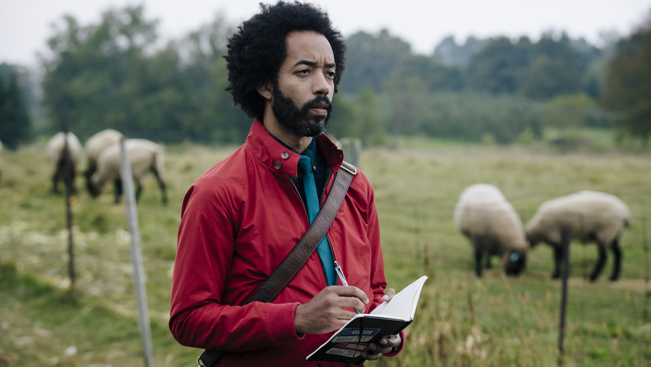 Wyatt Cenac People of Earth_TBS - H 2016