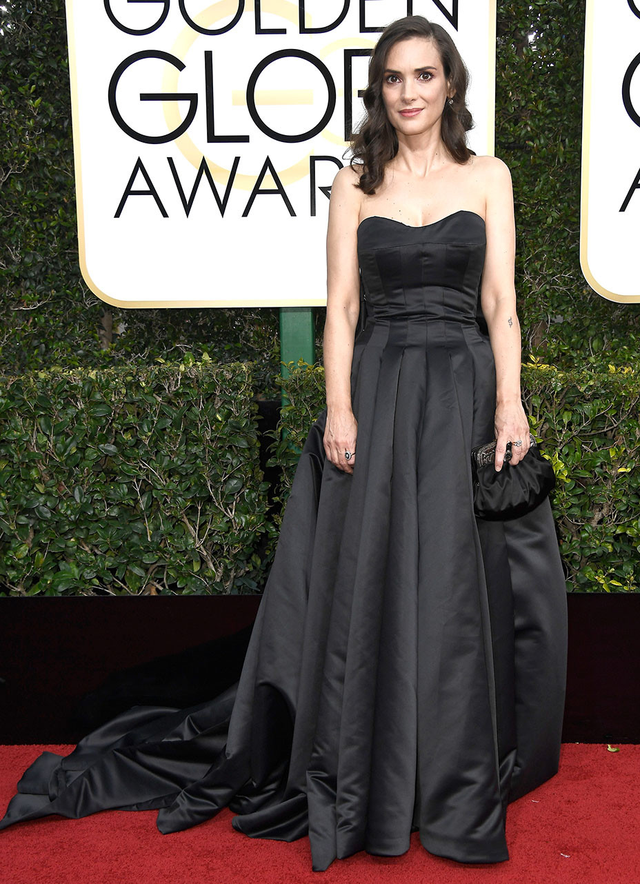 Winona Ryder Is Wearing Custom Viktor Rolf At The 2017 Golden Globe Awards Hollywood Reporter