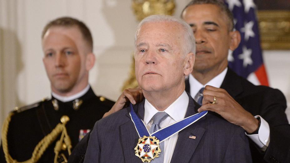 Medal of Freedom Joe Biden - Getty - H 2017