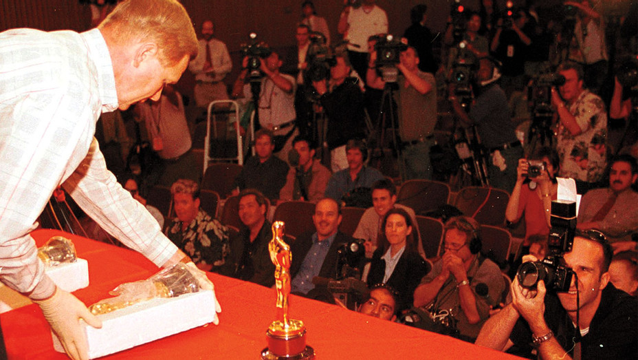 2000 Oscar Heist ONE TIME USE - Getty - H 2017