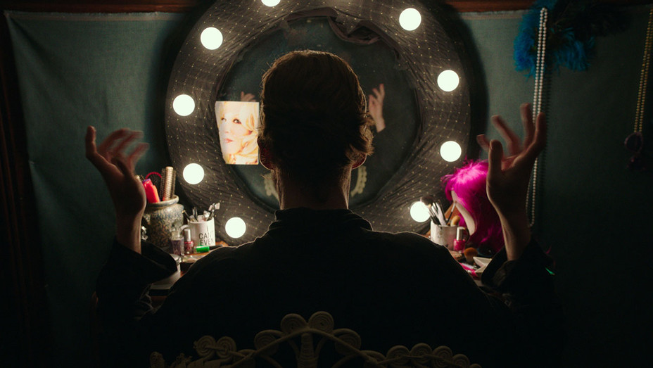 Freak Show Still - Publicity - H 2017