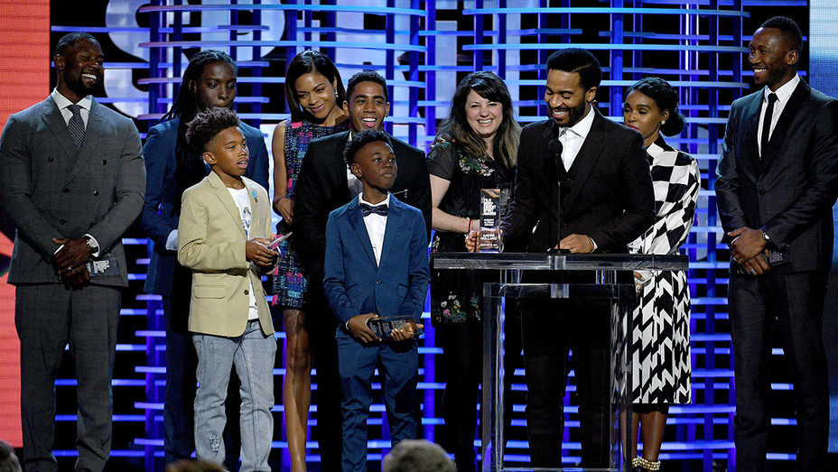 2017 Film Independent Spirit Awards - New- Cast and crew of Moonlight - Getty - H 2017