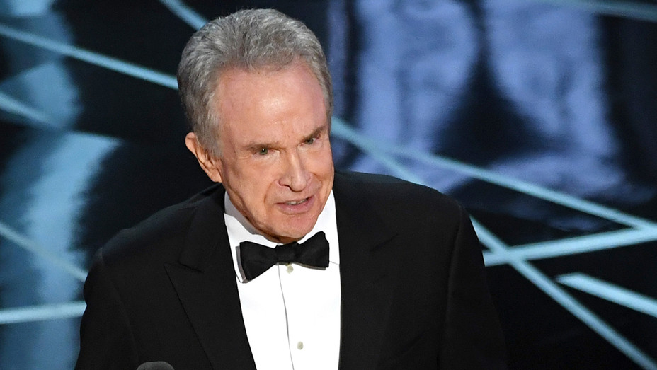 Warren Beatty on Stage 89th Oscars - Getty - H 2017