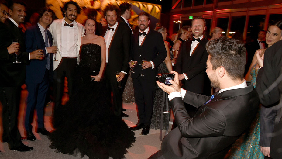 2017 Vanity Fair Oscar Party -  Dominic Cooper takes pictures- Getty-H 2017