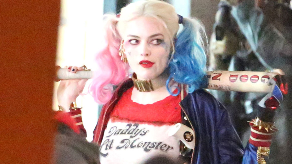 Harley Quinn Suicide Squad Baseball Bat - Photofest - H 2017