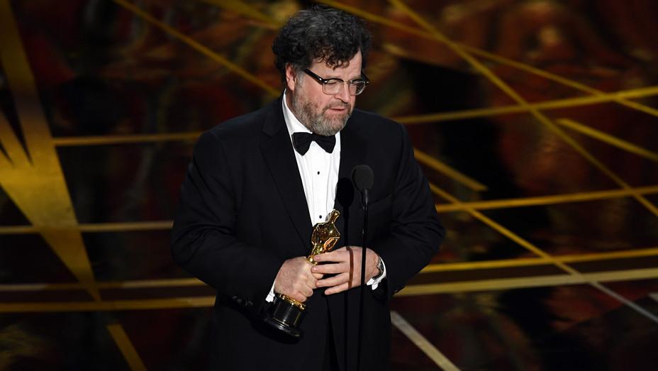 Kenneth Lonergan Wins 89th Annual Academy Awards - Getty - H 2017