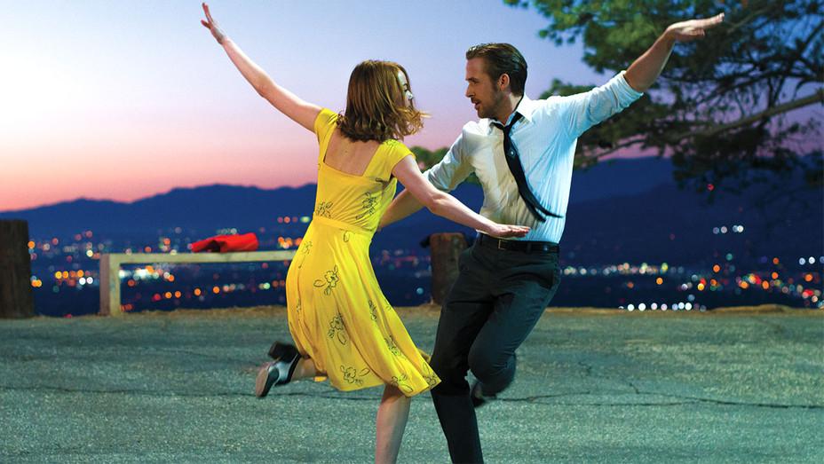 Playbook costume design -Ryan Gosling Emma Stone  -LA LA LAND - H 2017