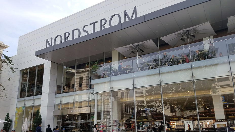 Nordstrom_The Grove - Publicity - H 2017