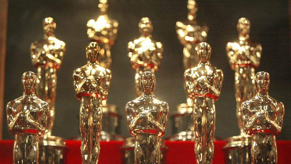 Oscar Statuettes - Getty - H 2017