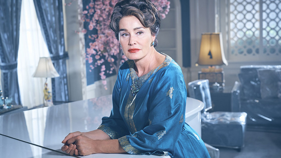 FEUD: BETTE & JOAN - Jessica Lange as Joan Crawford- Publicity-H 2017