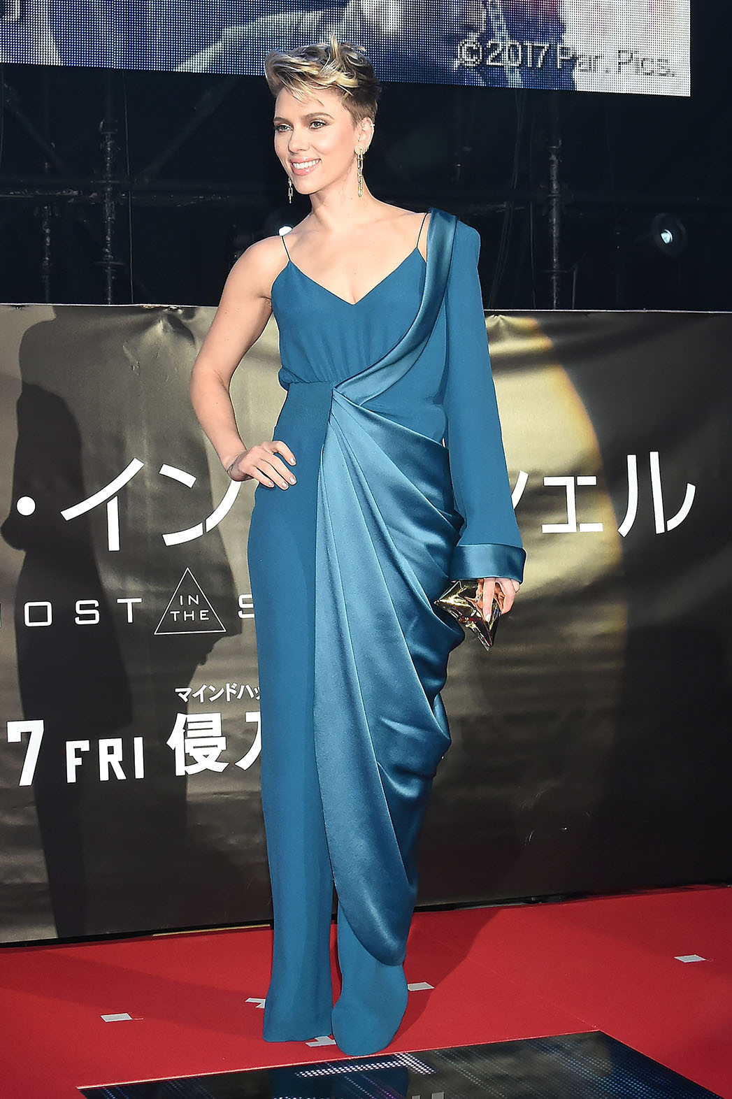 A Look At Scarlett Johansson S Ghost In The Shell Red Carpet Looks Hollywood Reporter