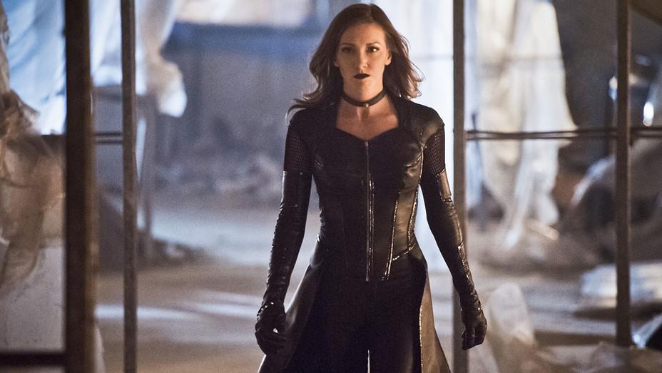 The Flash Katie Cassidy Black Siren - Publicity - H 2017
