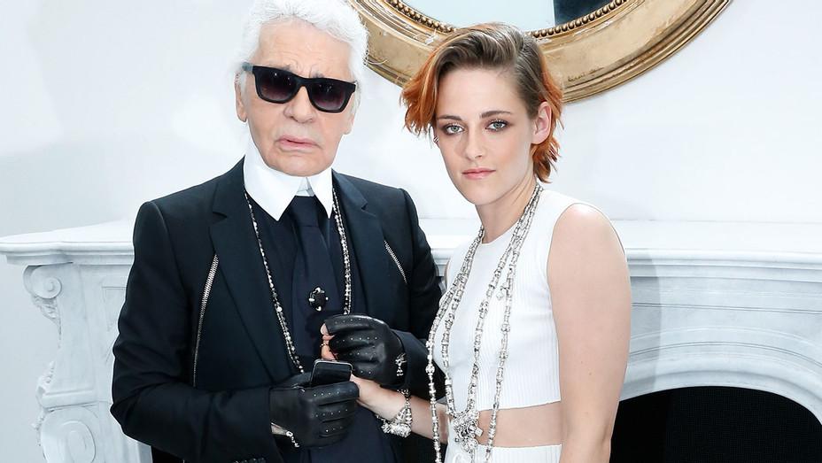 Karl Lagerfeld Kristen Stewart Channel Haute Couture FW 2014 - Getty - H 2017