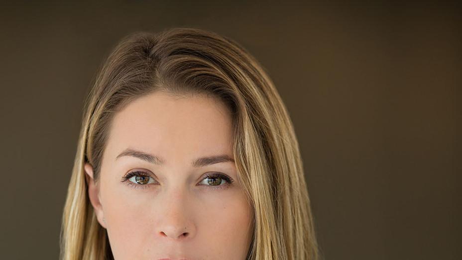 Hannah Linkenhoker Headshot - Publicity - P 2017