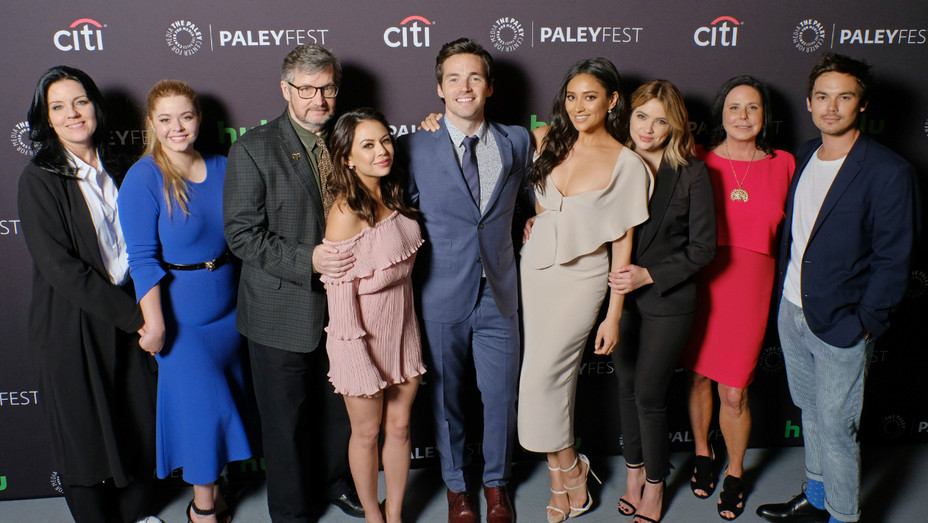 Pretty Little Liars at PaleyFest - Publicity - H 2017