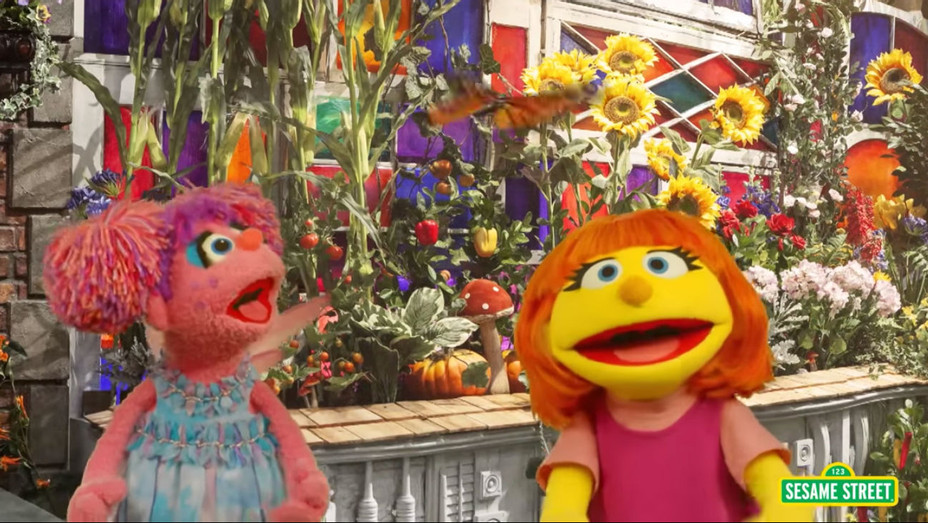 'Sesame Street' Julia - Screengrab - H 2017