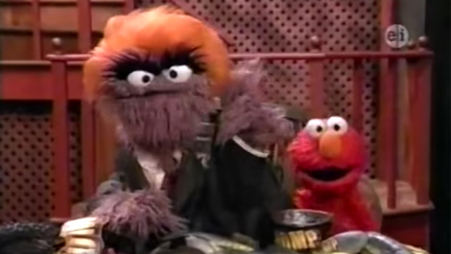 Sesame Street Grouch Apprentice with Donald Grump - Screengrab - H 2017