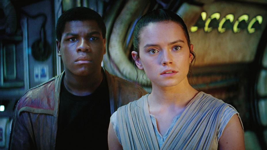 Star Wars: The Force Awakens - John Boyega and Daisy Ridley - H 2017