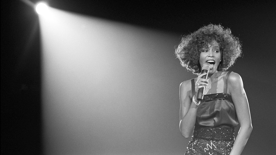 Whitney can I be me Still - Publicity - H 2017