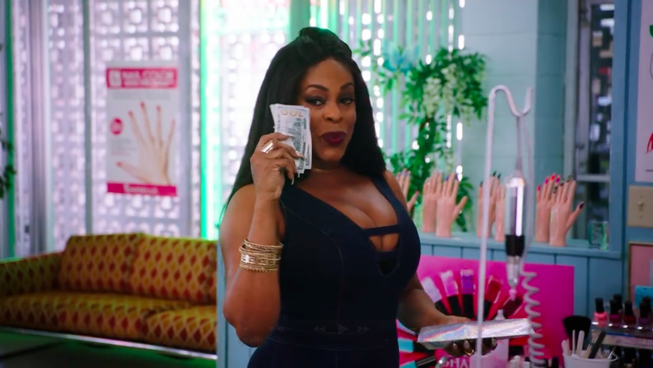 Niecy Nash - Claws Series Premiere Trailer Still - H 2017