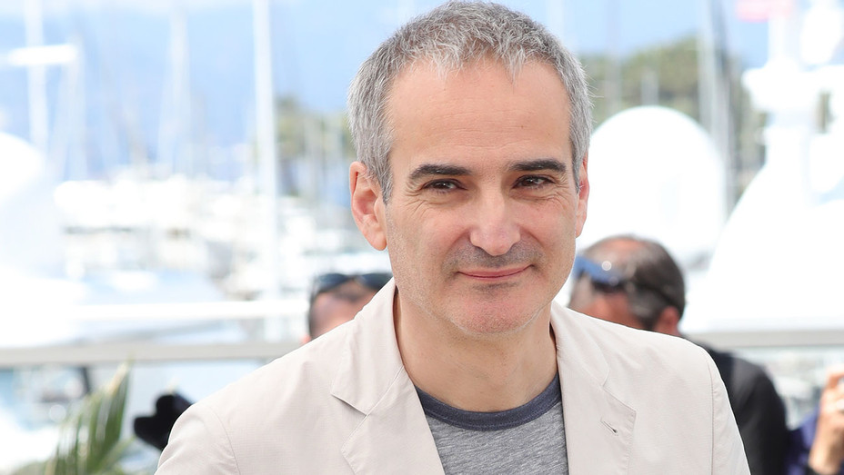 Olivier Assayas - Personal Shopper photocall Cannes Film Festival -Getty-H 2017