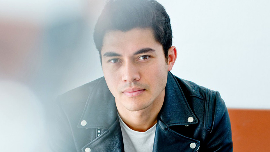Henry Golding - FLY Entertainment - Publicity -H 2017