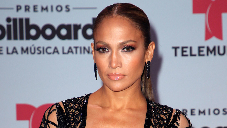 Jennifer Lopez Billboard latin music awards - Getty - H 2017