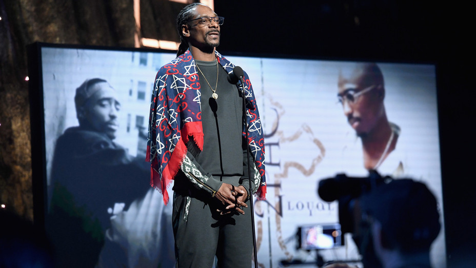 Snoop Dogg Honors Tupac Shakur at Rock and Roll Hall of Fame Induction - Getty - H 2017