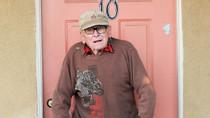 Svend Petersen, 'Poolside Prince' of the Beverly Hills Hotel, Dies at 90