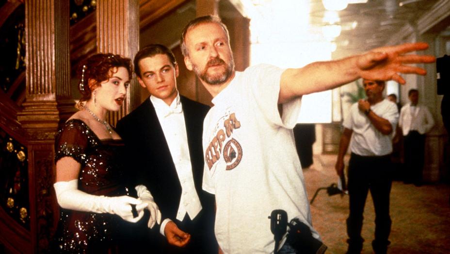 Titanic (1997) -Still 1-  Kate Winslet, Leonardo DiCaprio, Director James Cameron - Photofest -H 2017