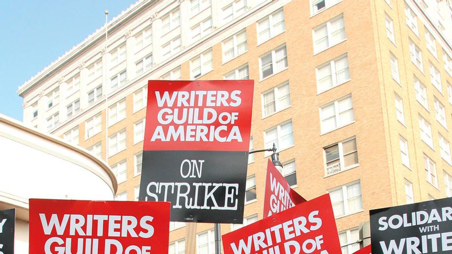 Writer's Guild of America on strike - Getty - P 2017