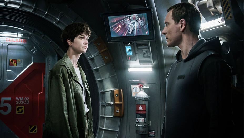 Alien: Covenant Still Katherine Waterston and Michael Fassbender - Publicity - H 2017