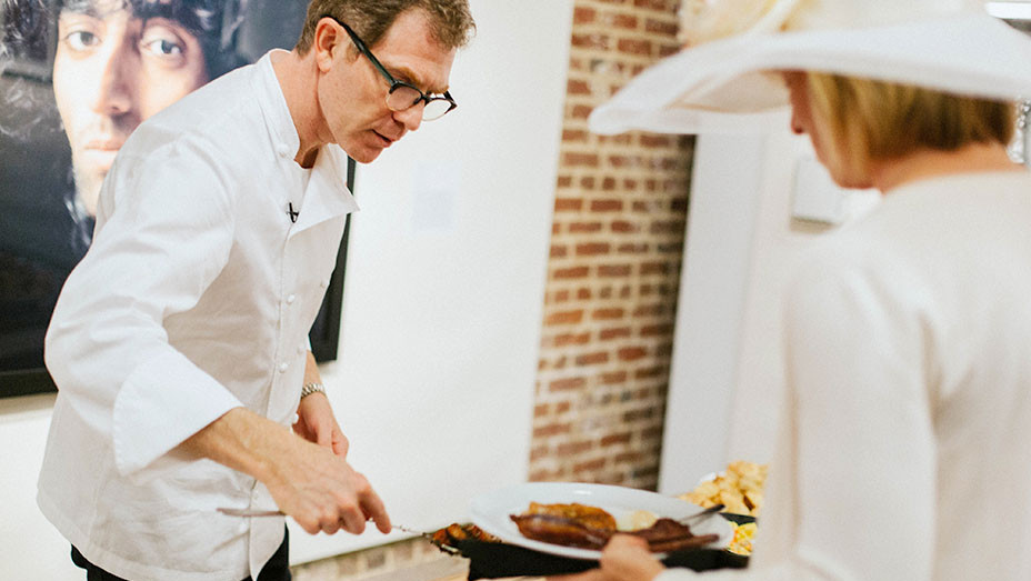 Bobby Flay serving up southern fare 2- Publicity- EMBED 2017