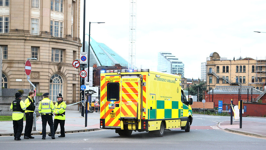 MANCHESTER- ambulance arrives  - Getty-H 2017