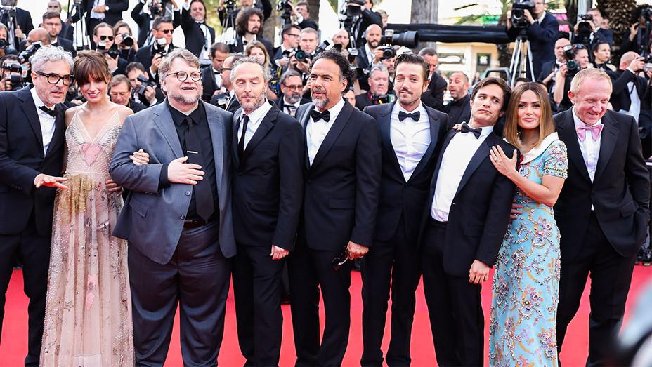 Cuaron, Goldsmith, Del Toro, Lubezki, Inarritu, Luna, Bernal, Hayek and Pinault - Cannes - Getty - H 2017