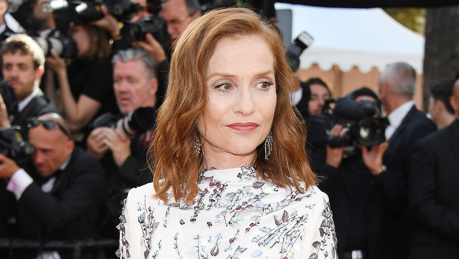 Isabelle Huppert_Cannes - Getty - H 2017