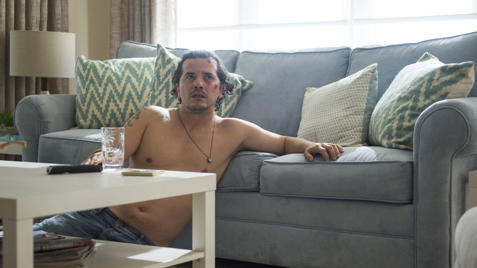 John Leguizamo in 'Bloodline' Season 3, Episode 3 - H Netflix 2017