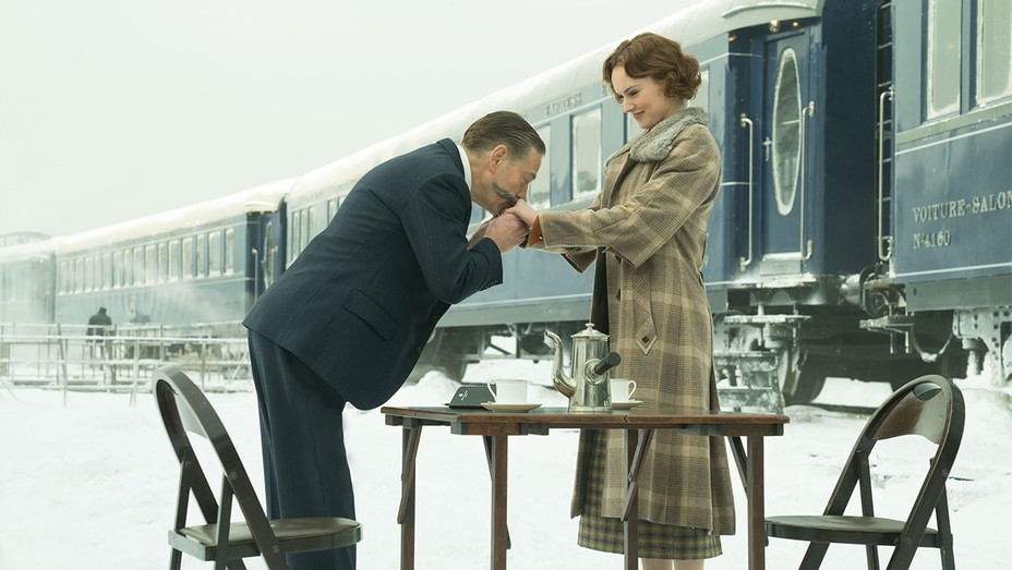 Murder on the Orient Express Still Kenneth Branagh and Daisy Ridley - Publicity - H 2017