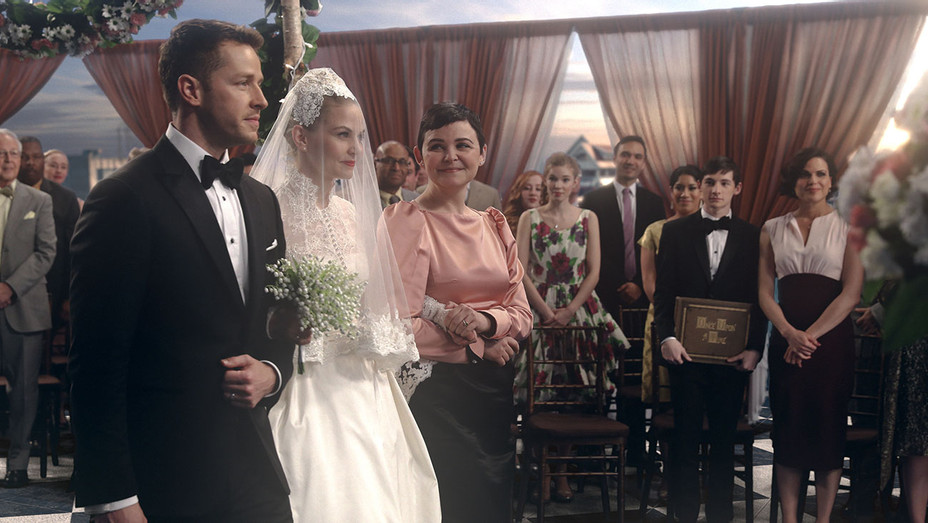 ONCE UPON A TIME S06E20 Still - Publicity - H 2017