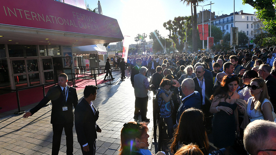 Cannes Bomb Scare - H 2017