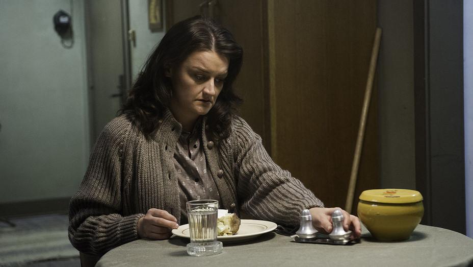 The Americans S05E09 Still - Publicity - H 2017