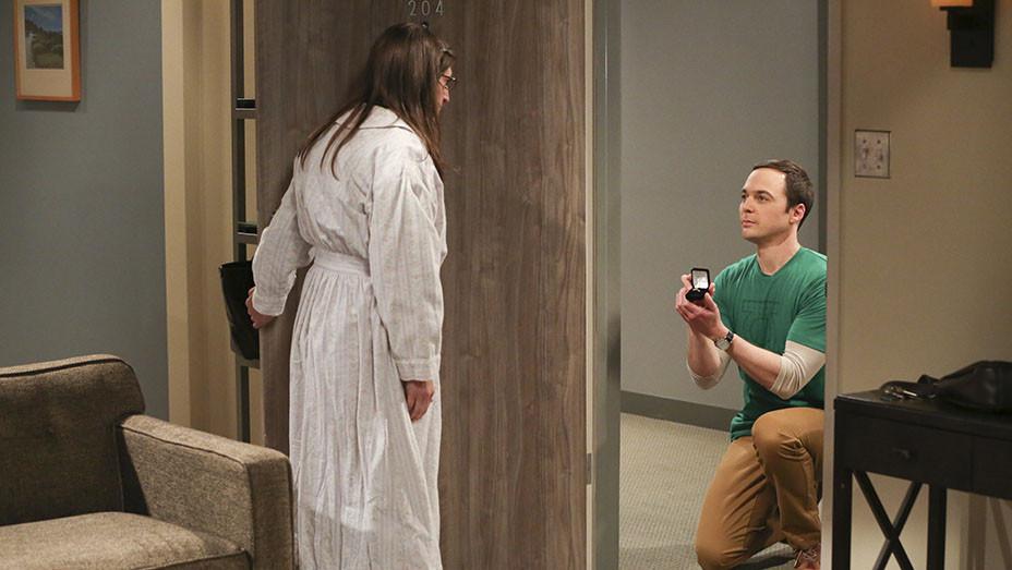 The Big Bang Theory S10E24 Still_embed - Publicity - EMBED 2017