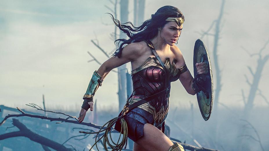 Wonder Woman Still 4 - Publicity - H 2017