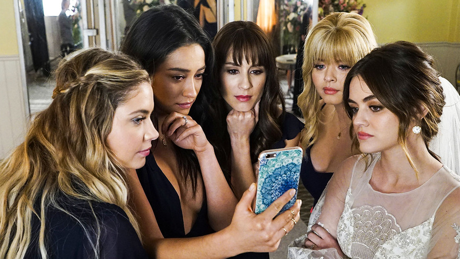Pretty Little Liars' Creator Breaks Down the Series Finale and Teases  What's Next for the Franchise | Hollywood Reporter