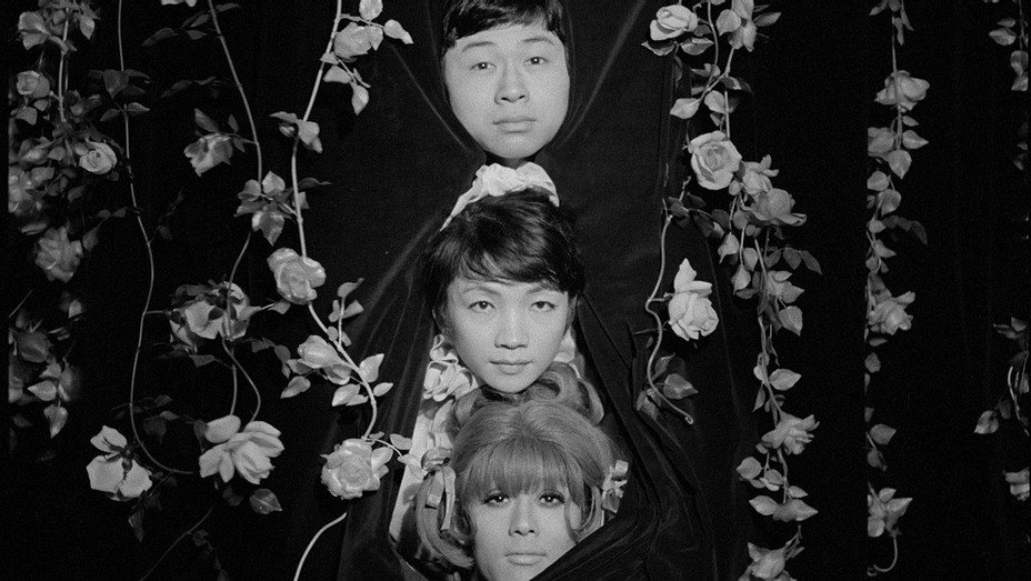 FUNERAL PARADE OF ROSES -Still 2 -Publicity -H 2017