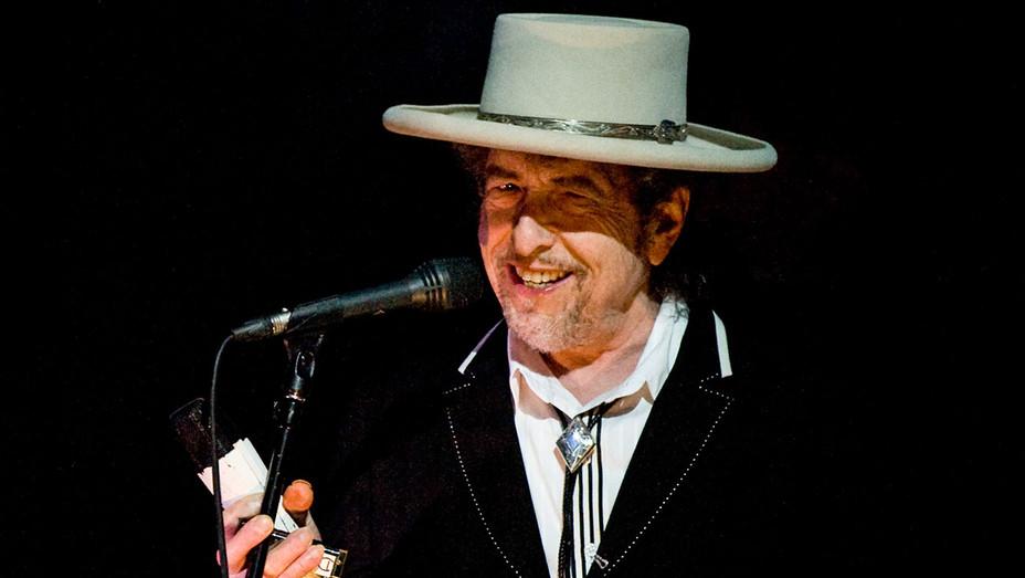 Bob Dylan - 2011 London Feis Festival Performance - Getty - H 2017