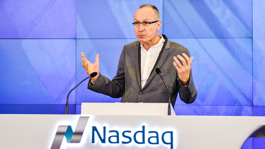 Robert Thomson - 2015 NASDAQ Closing Bell Ceremony - Getty - H 2017